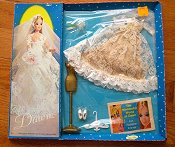 #815 Wedding Bell Dream --Roses/Tan underskirt