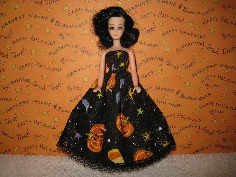 Pumpkin Toss gown with lace