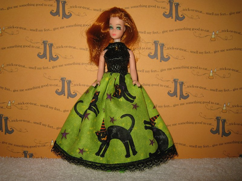 Cats on Lime Lace Ballgown