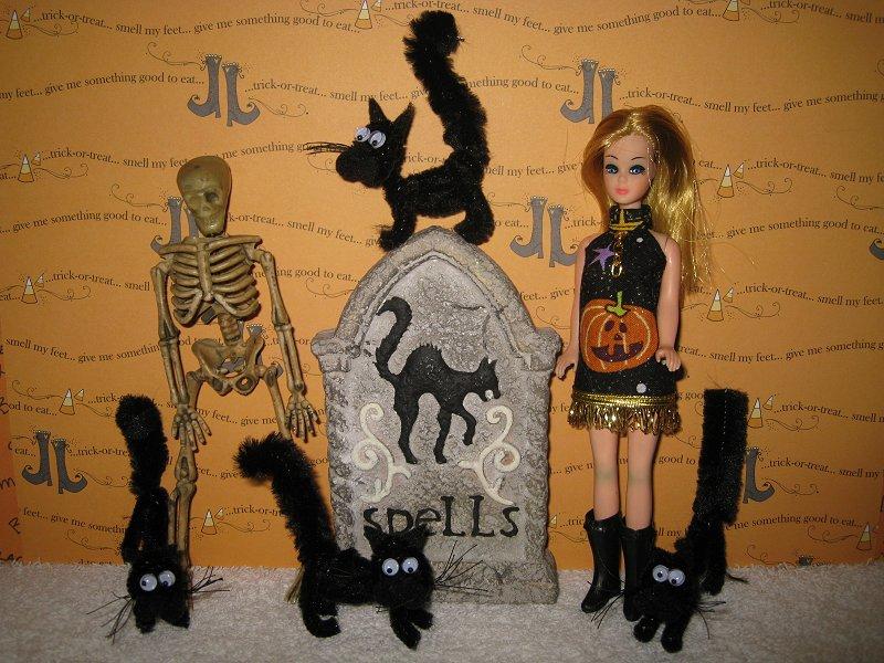 Peg's Spooky Purrs