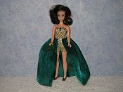 Euro in GREEN & GOLD gown with purse