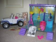Photo Studio with Jeep